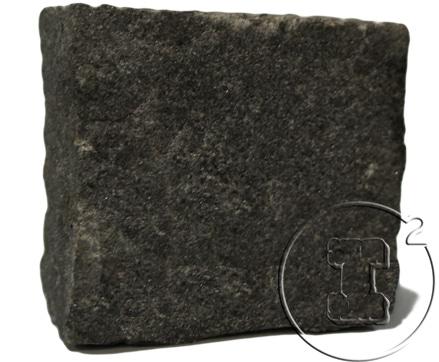 pave granit noir clivé